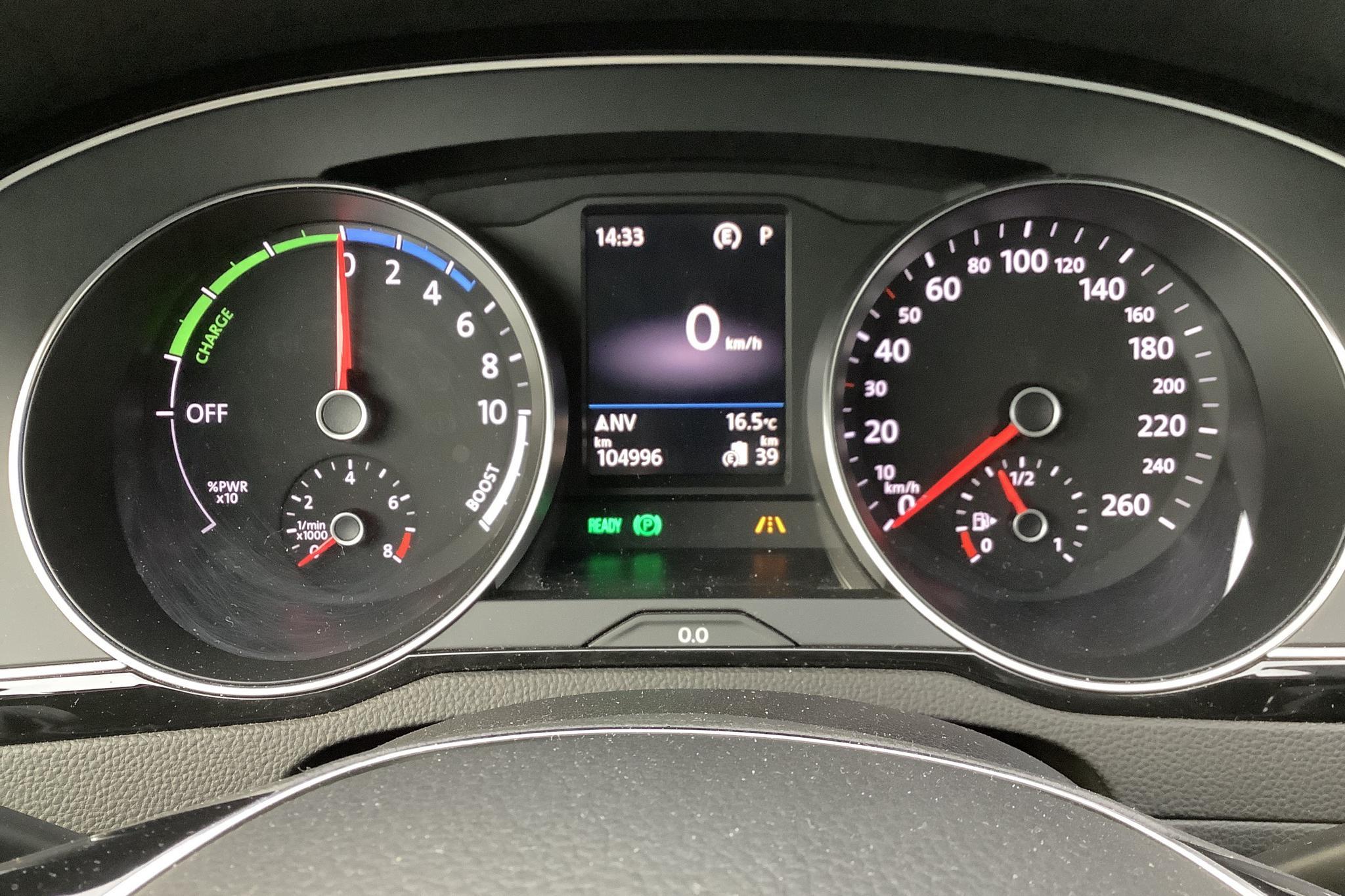 VW Passat 1.4 Plug-in-Hybrid Sportscombi (218hk) - 104 990 km - Automatic - black - 2017