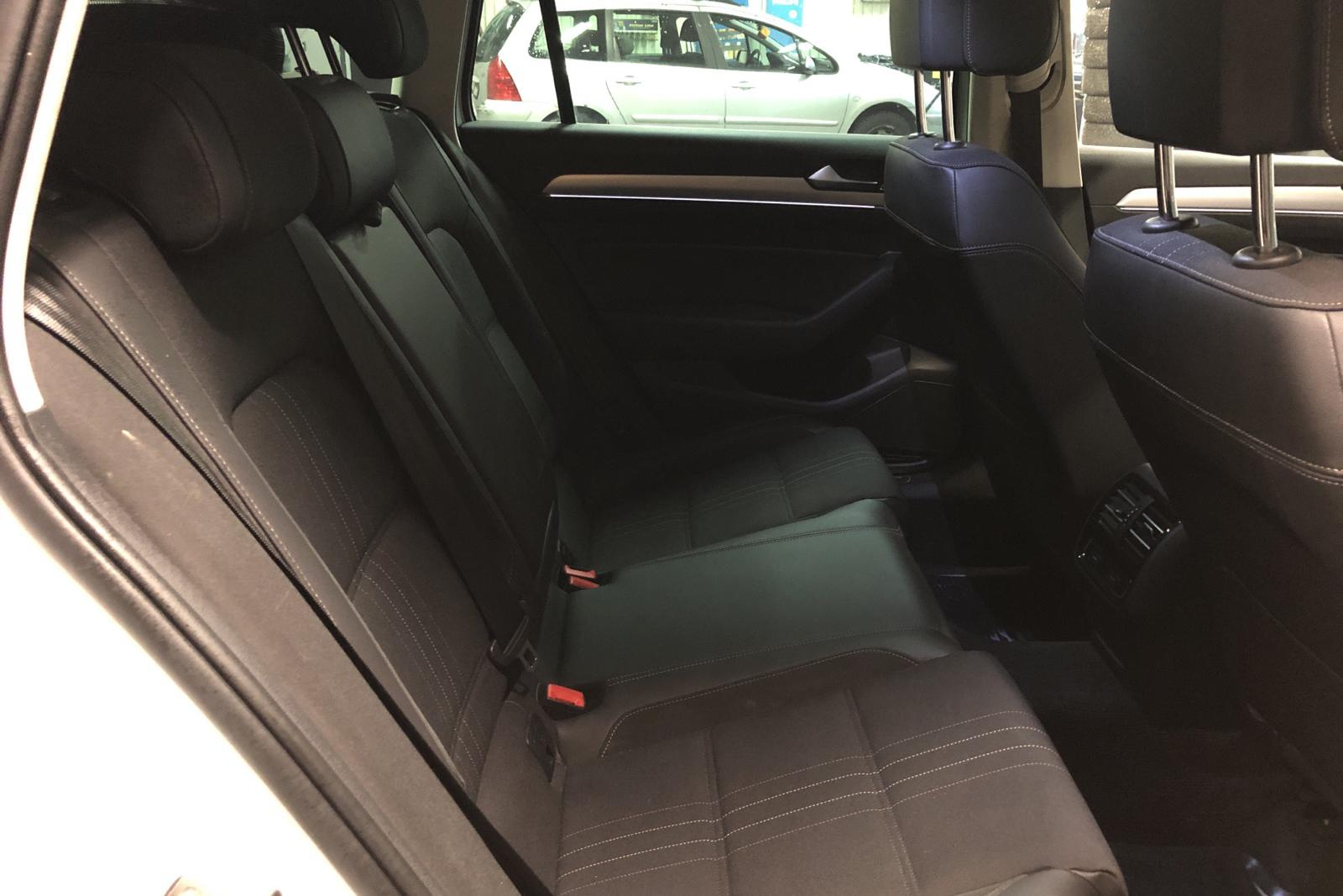 VW Passat Alltrack 2.0 TDI Sportscombi 4MOTION (190hk) - 144 270 km - Automatic - white - 2017