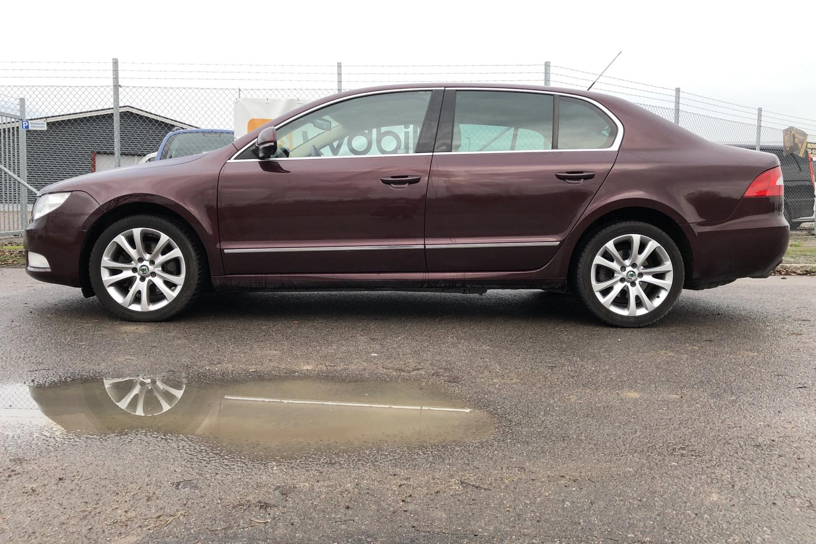 Skoda Superb 1.8 TSI (160hk) - 234 330 km - Automatic - Dark Red - 2010