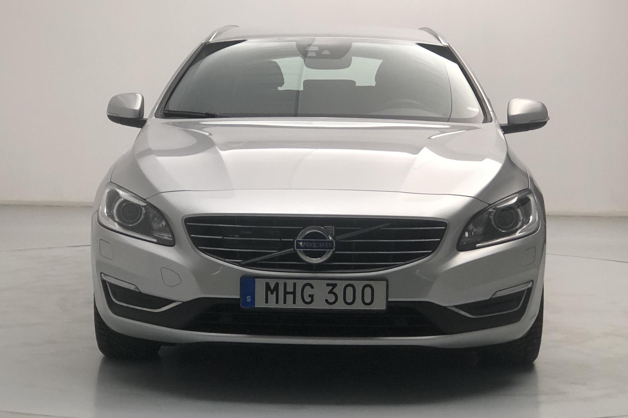 Volvo V60 D5 AWD Twin Engine (163hk) - 86 990 km - Automatic - silver - 2018