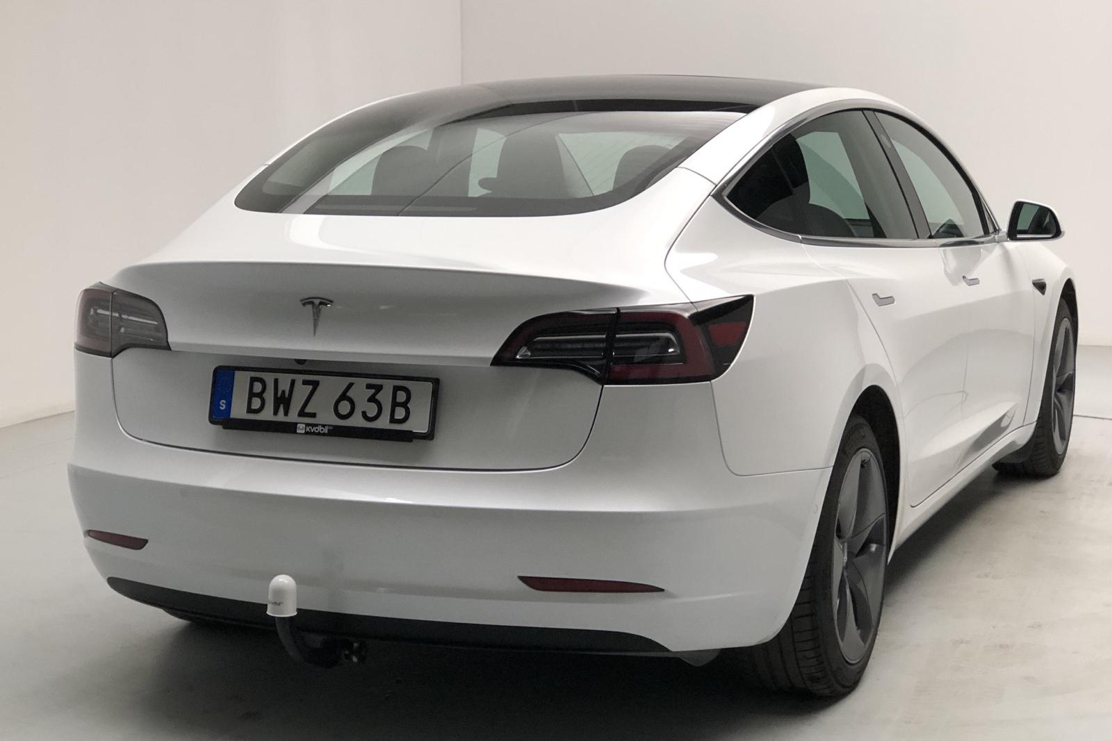 Tesla Model 3 Standard Range RWD - 21 440 km - Automatic - white - 2020
