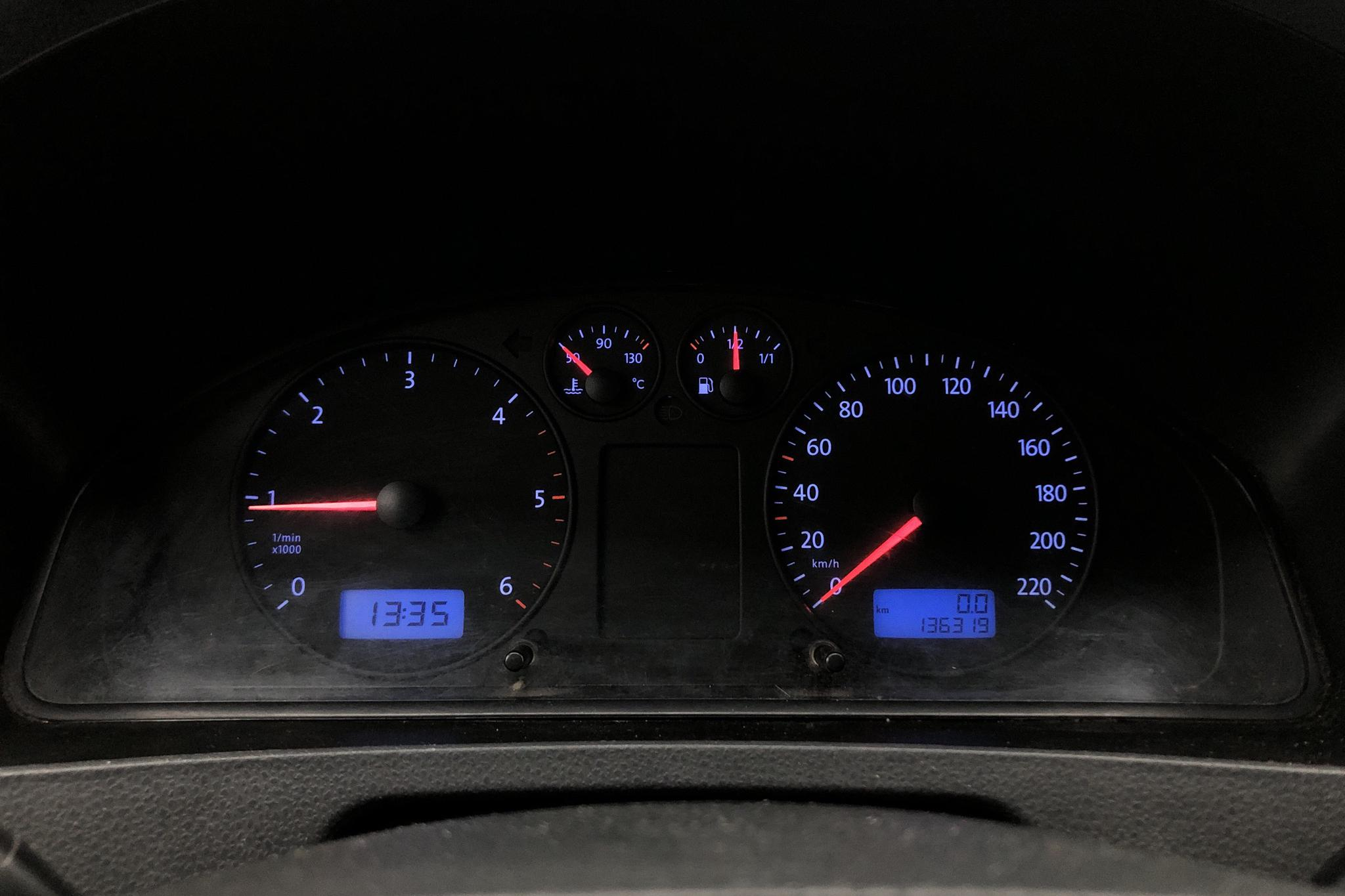 VW Transporter T5 2.5 TDI Pickup 4-motion (130hk) - 13 631 mil - Manuell - 2007