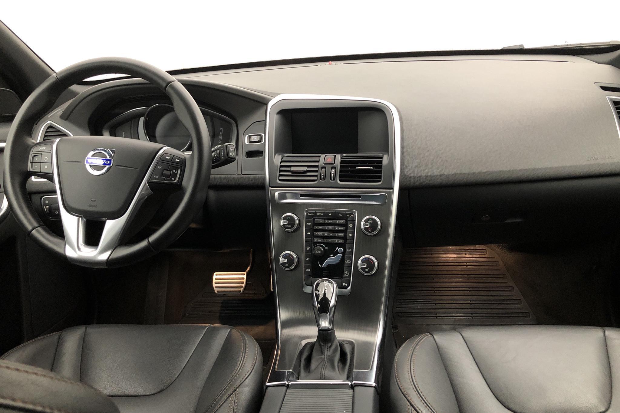Volvo XC60 T6 AWD (306hk) - 66 560 km - Automatic - black - 2016