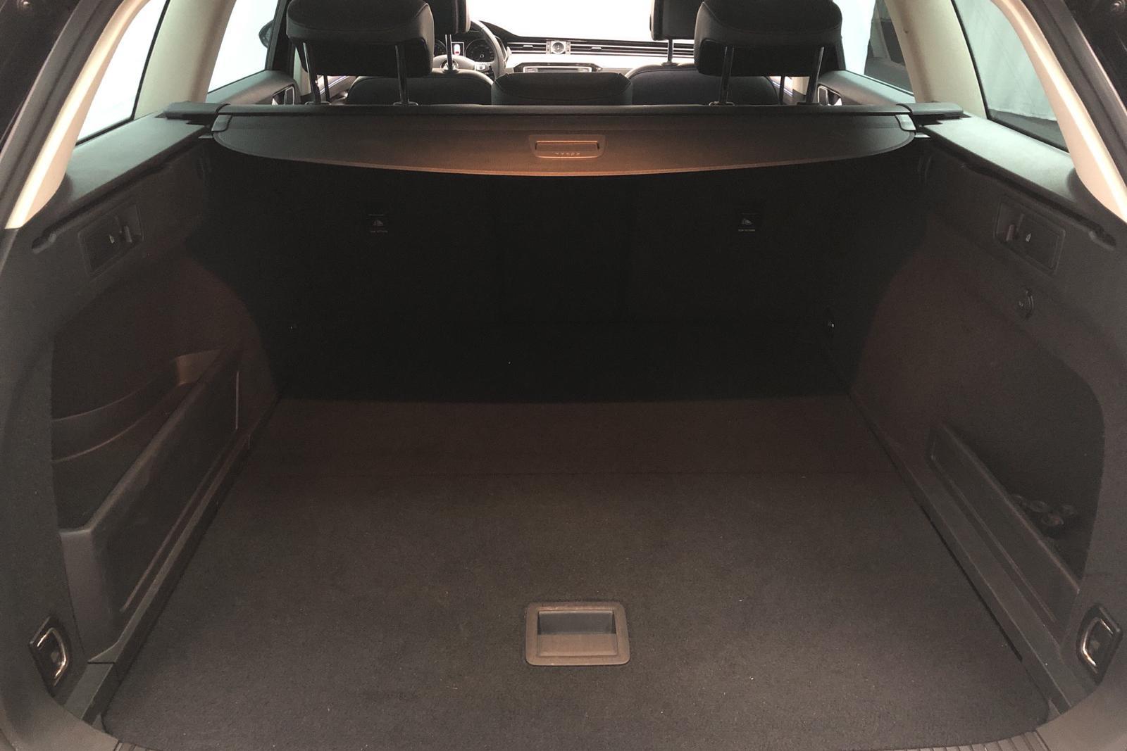 VW Passat 1.4 GTE Plug-in-Hybrid Sportscombi (218hk) - 41 650 km - Automatic - black - 2017