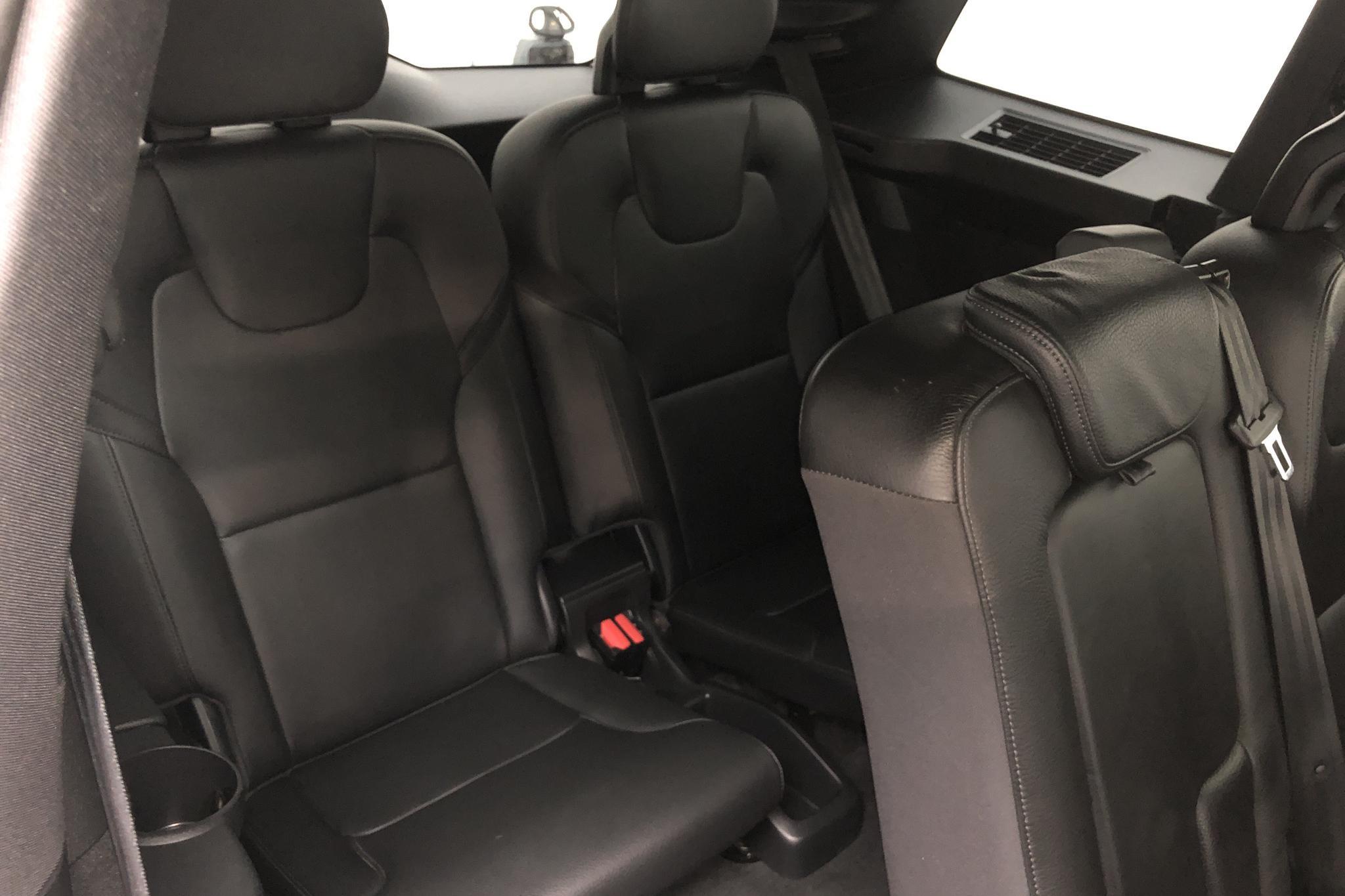 Volvo XC90 D5 AWD (235hk) - 8 128 mil - Automat - svart - 2017