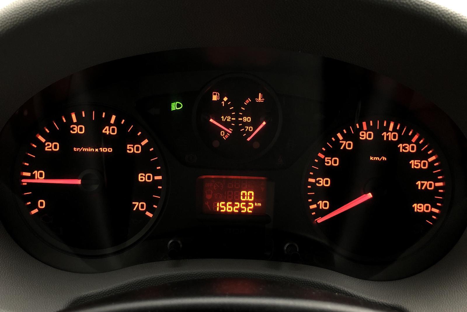 Citroen Jumpy III 2.0 HDI FAP Skåp (136hk) - 15 625 mil - Manuell - röd - 2011