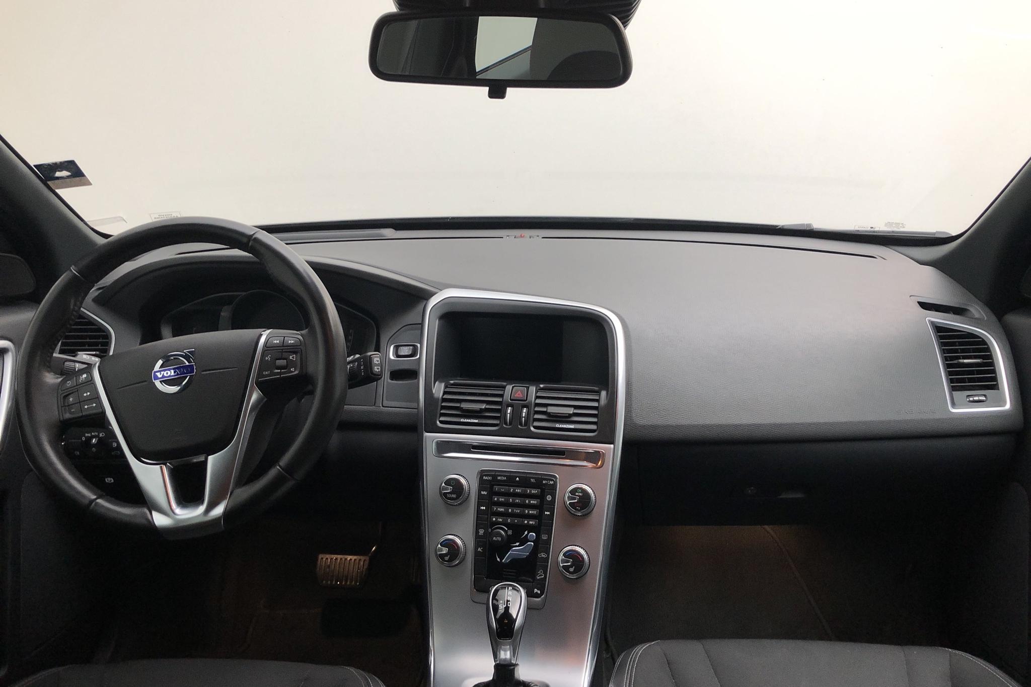 Volvo XC60 D4 AWD (190hk) - 10 027 mil - Automat - svart - 2017