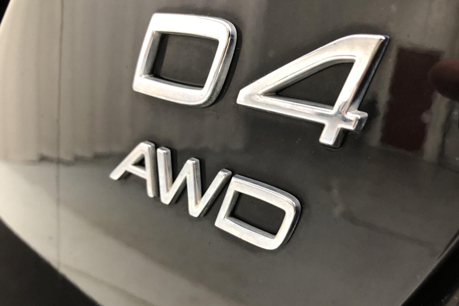 Volvo V60 D4 Cross Country AWD (190hk) - 11 476 mil - Automat - svart - 2016