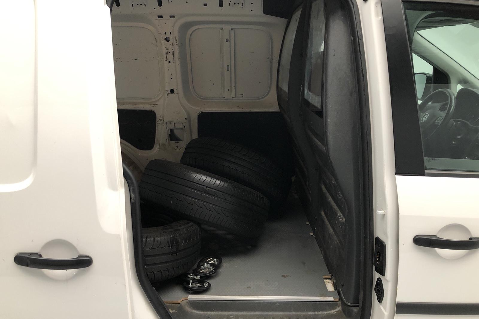 VW Caddy 1.6 TDI Maxi Skåp (102hk) - 6 614 mil - Manuell - vit - 2015