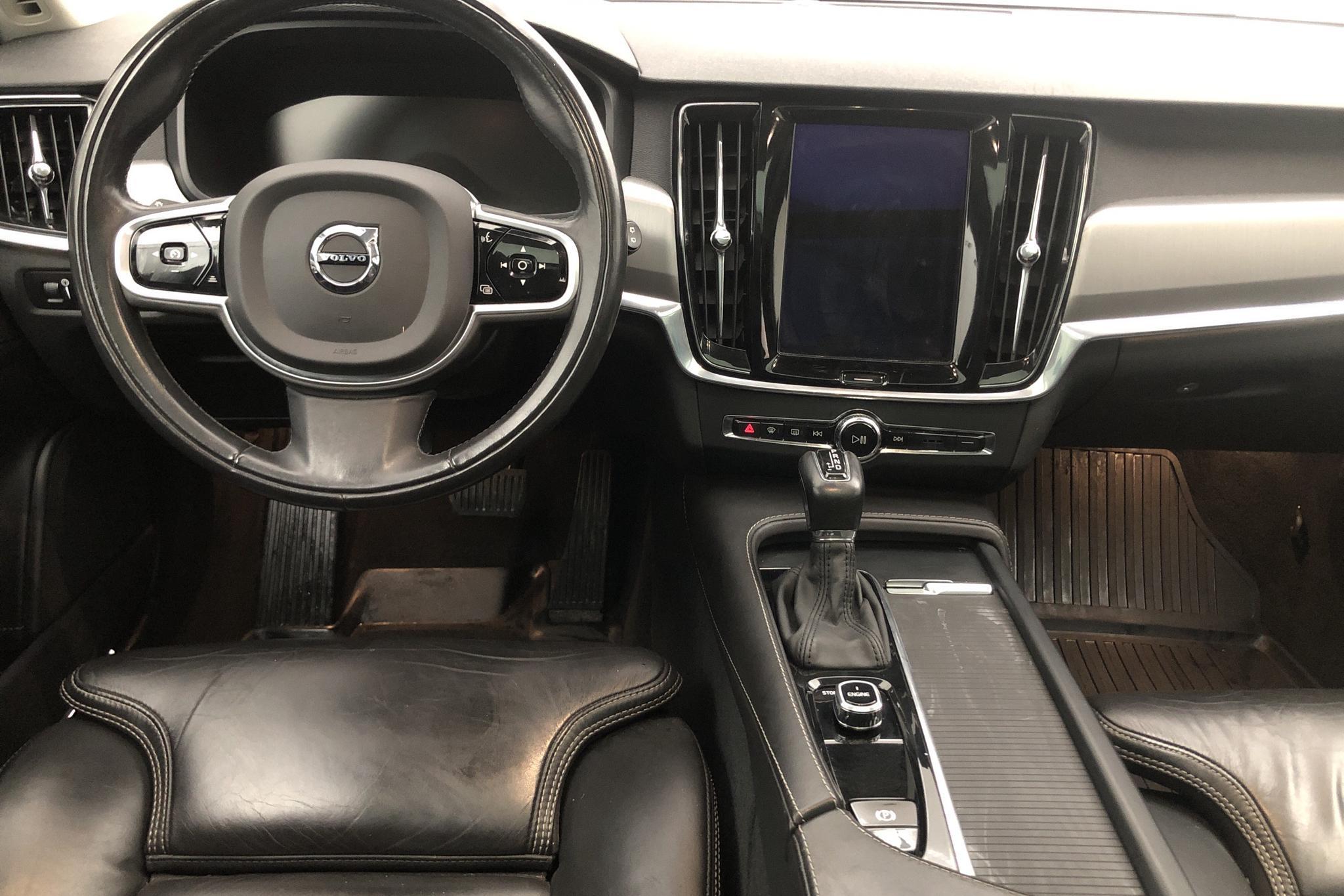 Volvo V90 D5 Cross Country AWD (235hk) - 59 820 km - Automatic - black - 2017