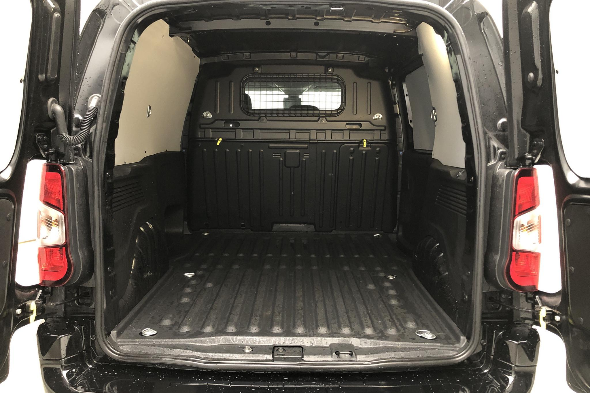 Peugeot Partner 1.5 HDI Skåp (130hk) - 1 680 km - Automatic - black - 2019