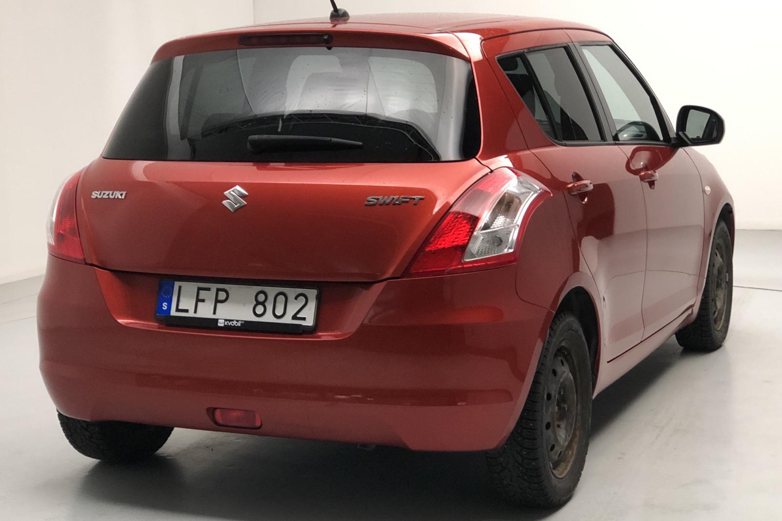 Suzuki Swift 1.2 5dr (94hk) - 4 611 mil - Manuell - orange - 2011