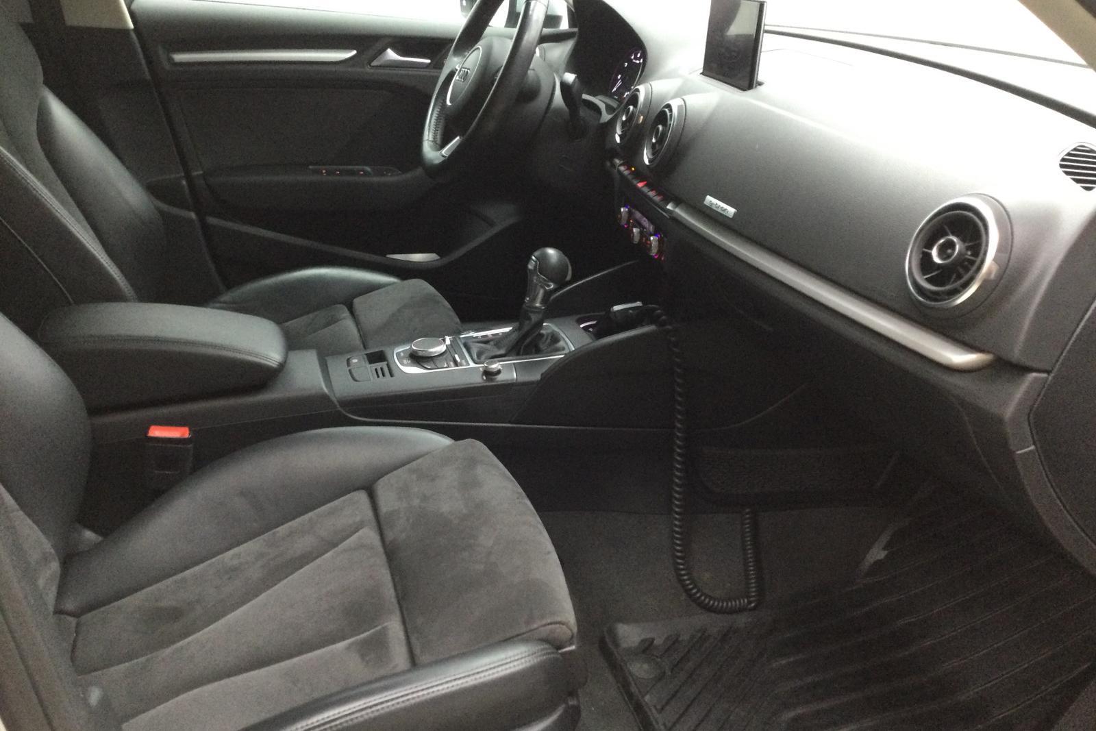 Audi A3 1.4 TFSI g-tron Sportback (110hk) - 7 257 mil - Automat - silver - 2016