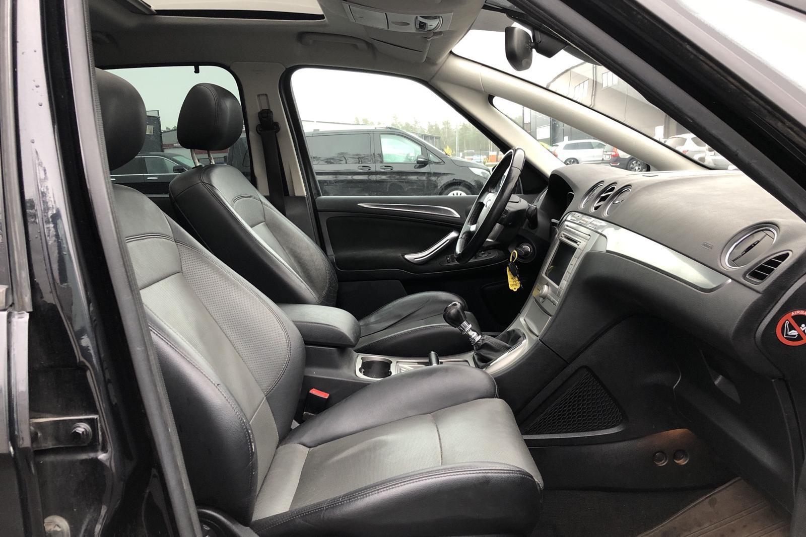 Ford S-MAX 2.5T (220hk) - 14 130 mil - Manuell - svart - 2007