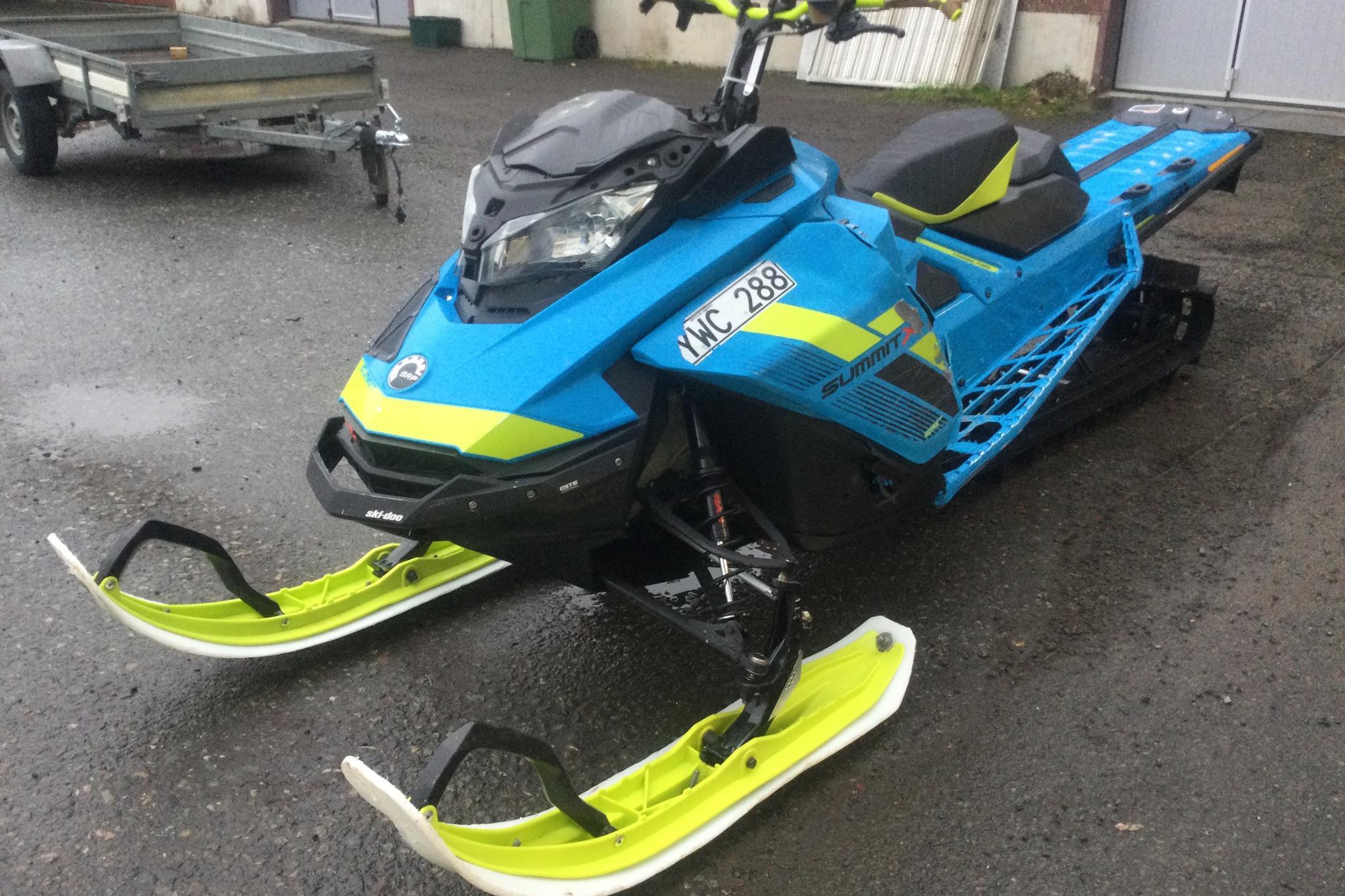 ski-doo SUMMIT X 165 850 Snöskoter - 8 840 km - Automatic - 2018