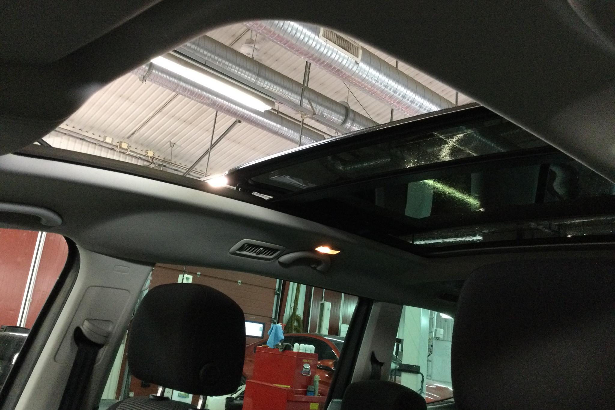VW Sharan 2.0 TDI BlueMotion Technology (140hk) - 20 975 mil - Automat - grå - 2013