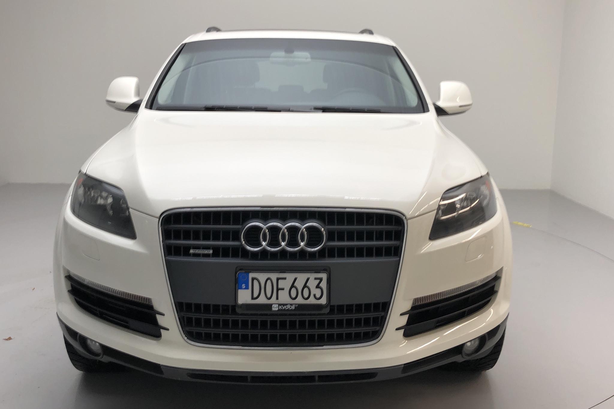 Audi Q7 3.6 FSI quattro (280hk) - 17 617 mil - Automat - vit - 2008