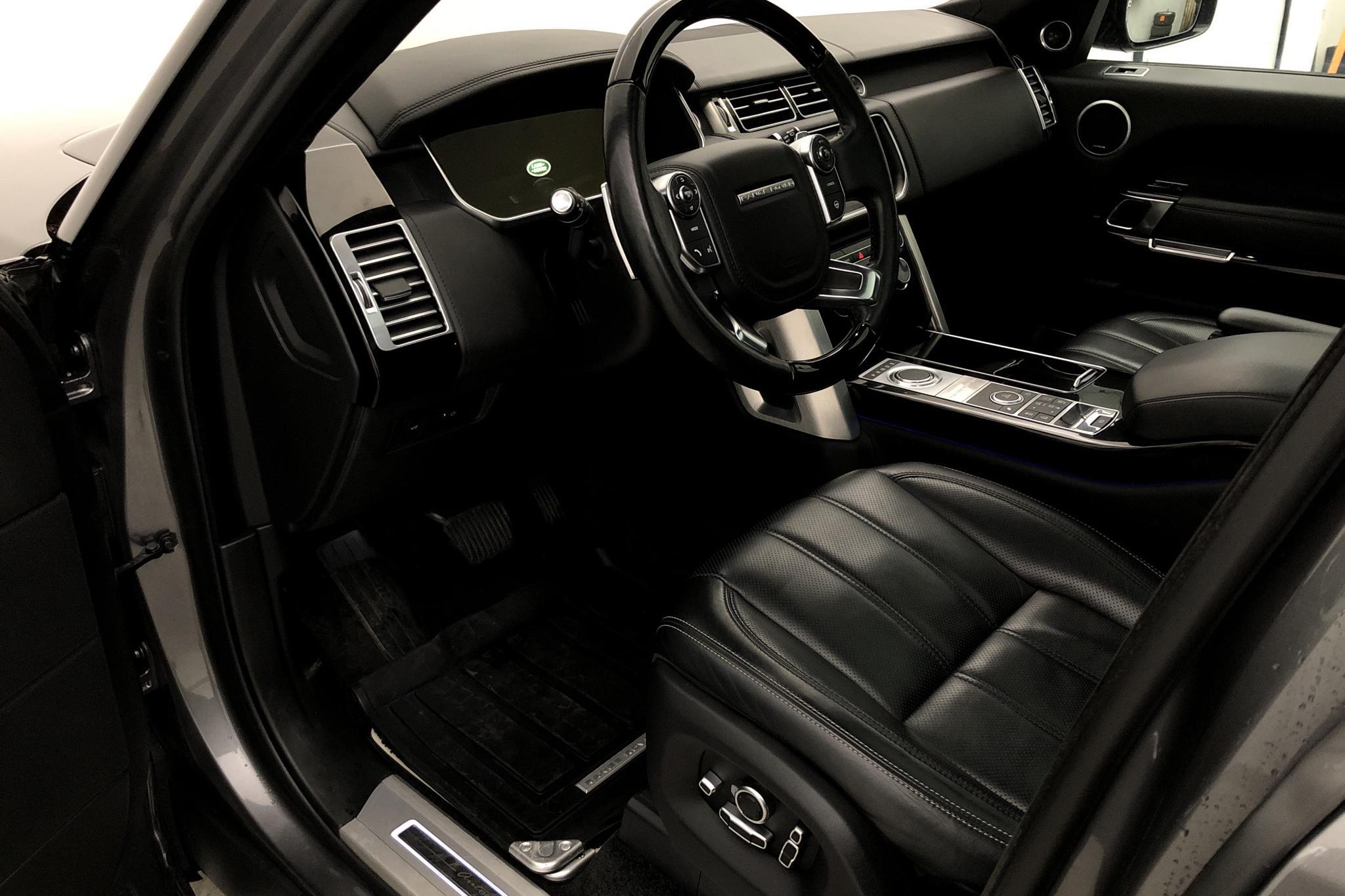 Land Rover Range Rover 4.4 SDV8 AWD (339hk) - 8 726 mil - Automat - grå - 2016