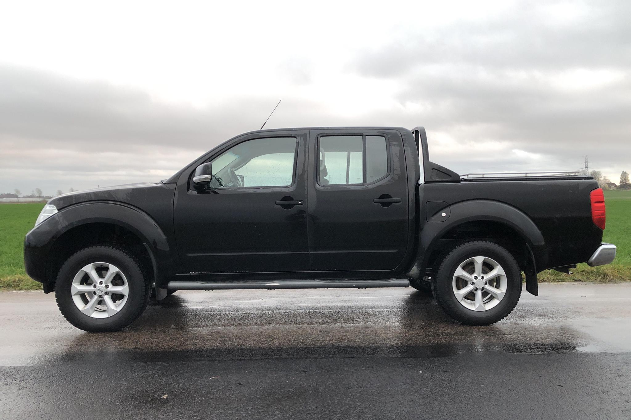 Nissan Navara 2.5 dCi (190hk) - 18 760 mil - Manuell - svart - 2011