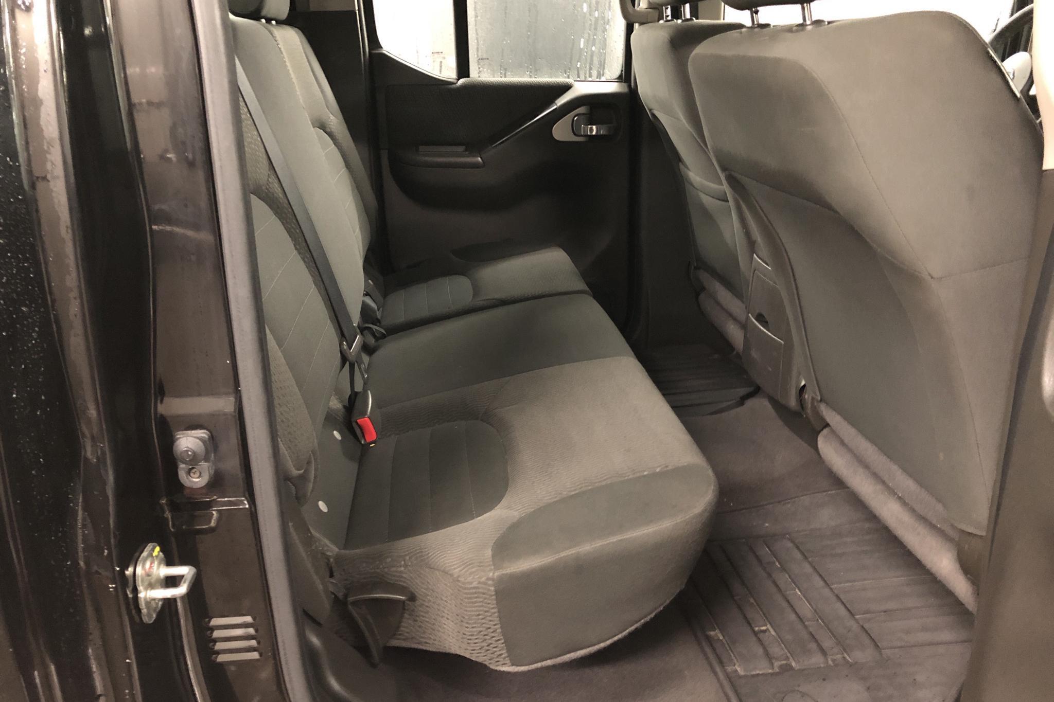 Nissan Navara 2.5 dCi (190hk) - 187 600 km - Manual - black - 2011