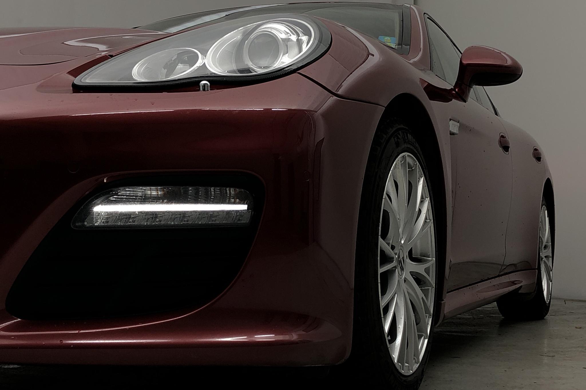 Porsche Panamera 4 (300hk) - 195 790 km - Automatic - Dark Red - 2012