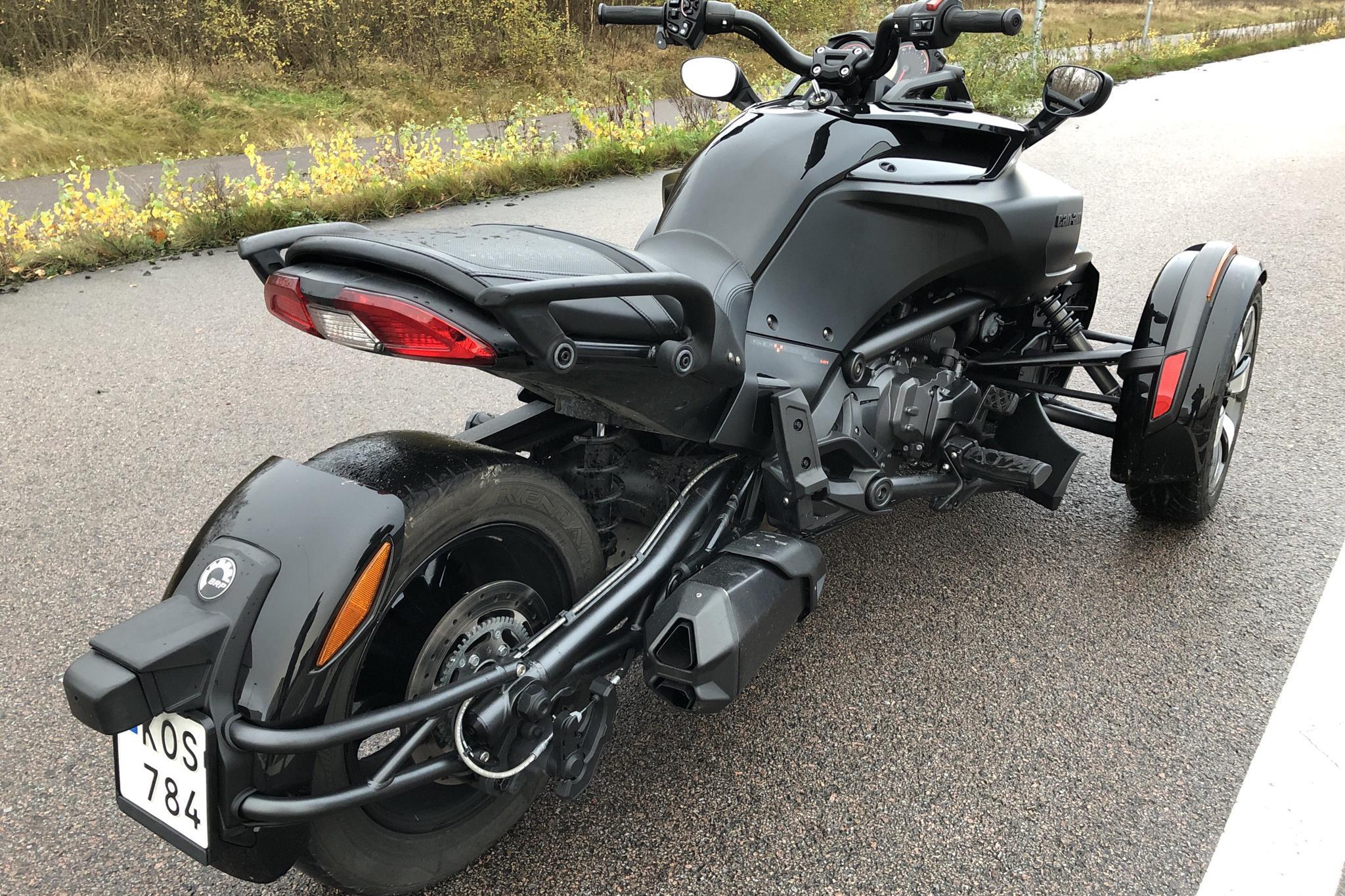 can-am Spyder F3 Motorcykel - 6 890 km - Manual - 2016