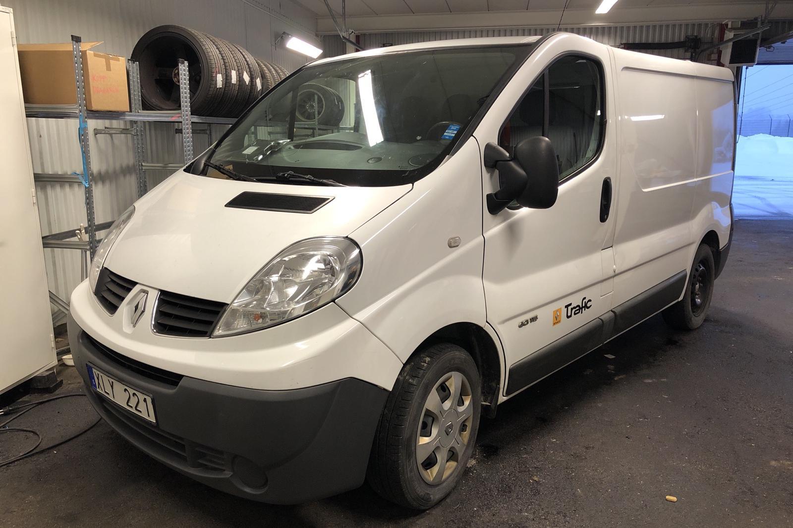 Renault Trafic 2.0 dCi Skåp/Buss (115hk) - 15 362 mil - Manuell - vit - 2014