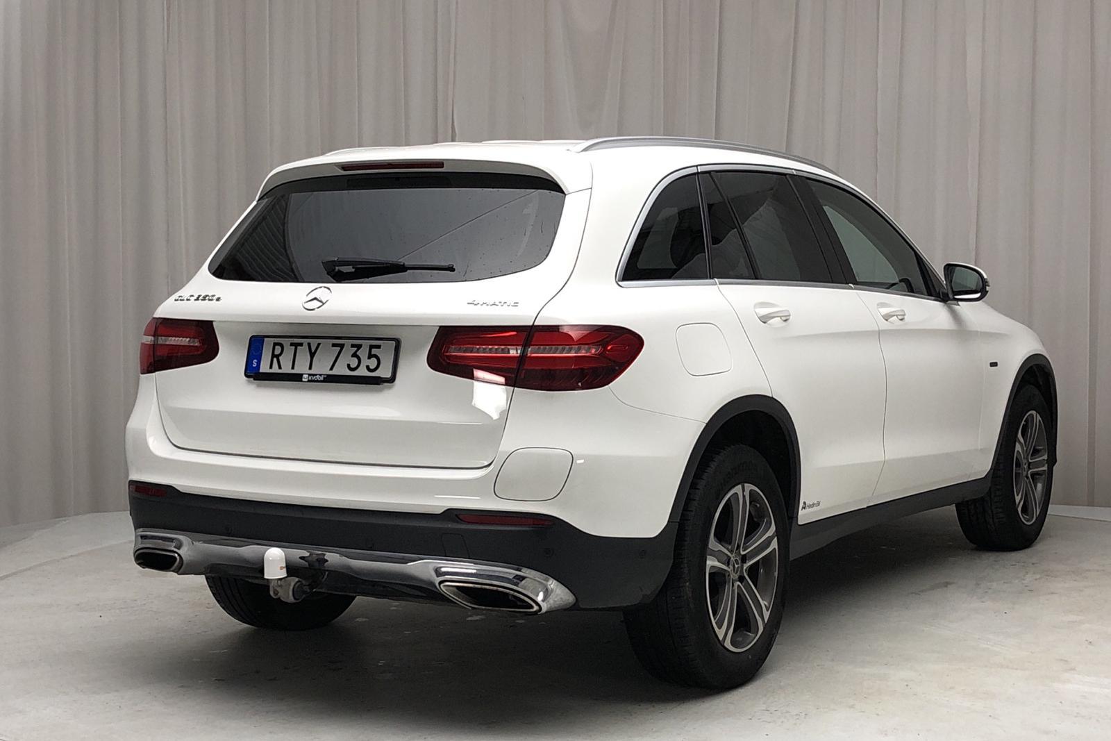 Mercedes GLC 350 e 4MATIC X253 (211hk) - 7 863 mil - Automat - vit - 2018
