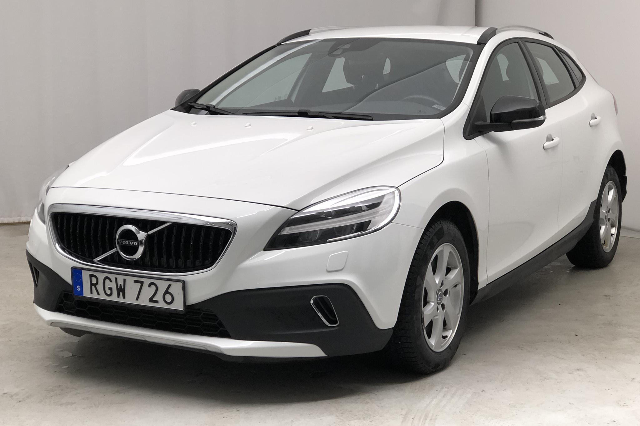 Volvo V40 Cross Country D2 (120hk) - 5 863 mil - Automat - vit - 2017
