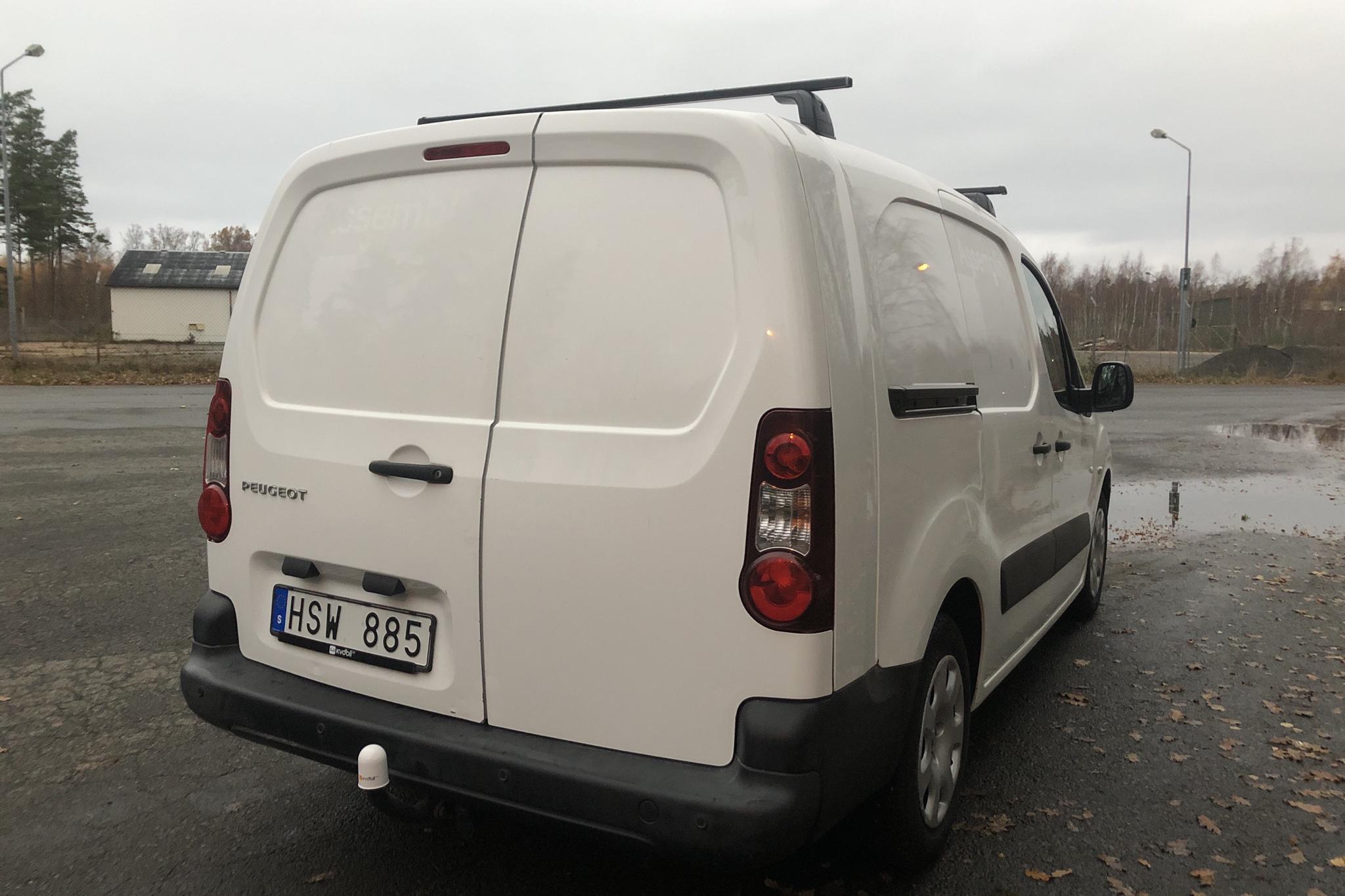 Peugeot Partner 1.6 e-HDI Skåp (90hk) - 11 476 mil - Manuell - vit - 2012
