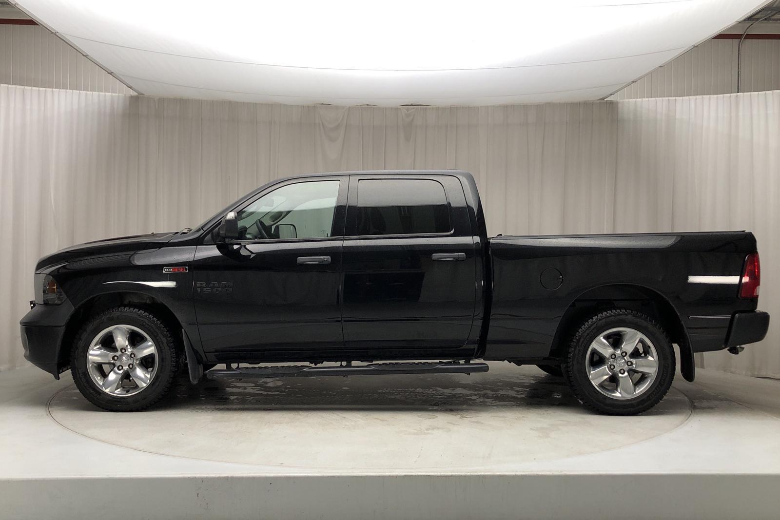 Dodge RAM 1500 3.0 4WD (243hk) - 11 432 mil - Automat - svart - 2014
