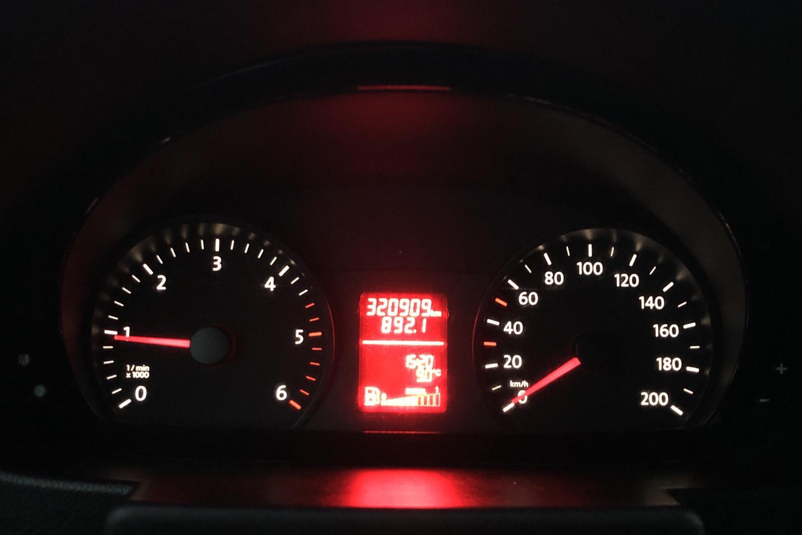 VW Crafter 35 2.0 TDI Volymskåp (163hk) - 320 900 km - Manual - white - 2015