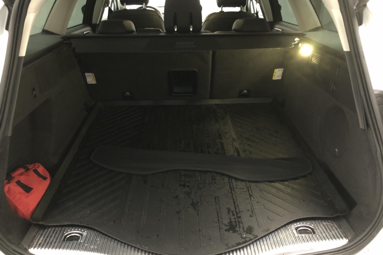 Ford Mondeo 2.0 TDCi Kombi (180hk) - 17 760 mil - Automat - vit - 2016