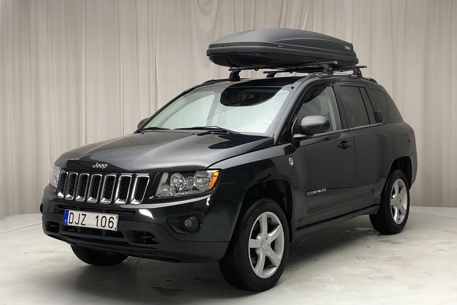 Jeep Compass 2.4 4x4 (170hk) - 7 238 mil - Automat - svart - 2011