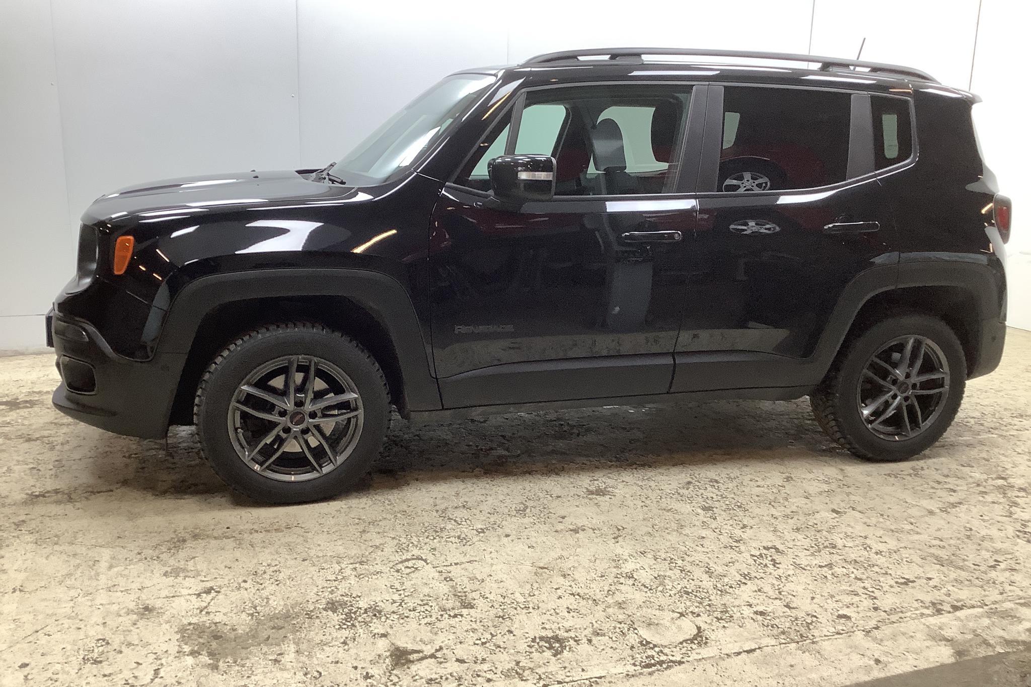 Jeep Renegade 1.4 MultiAir 4WD (170hk) - 3 734 mil - Automat - svart - 2018