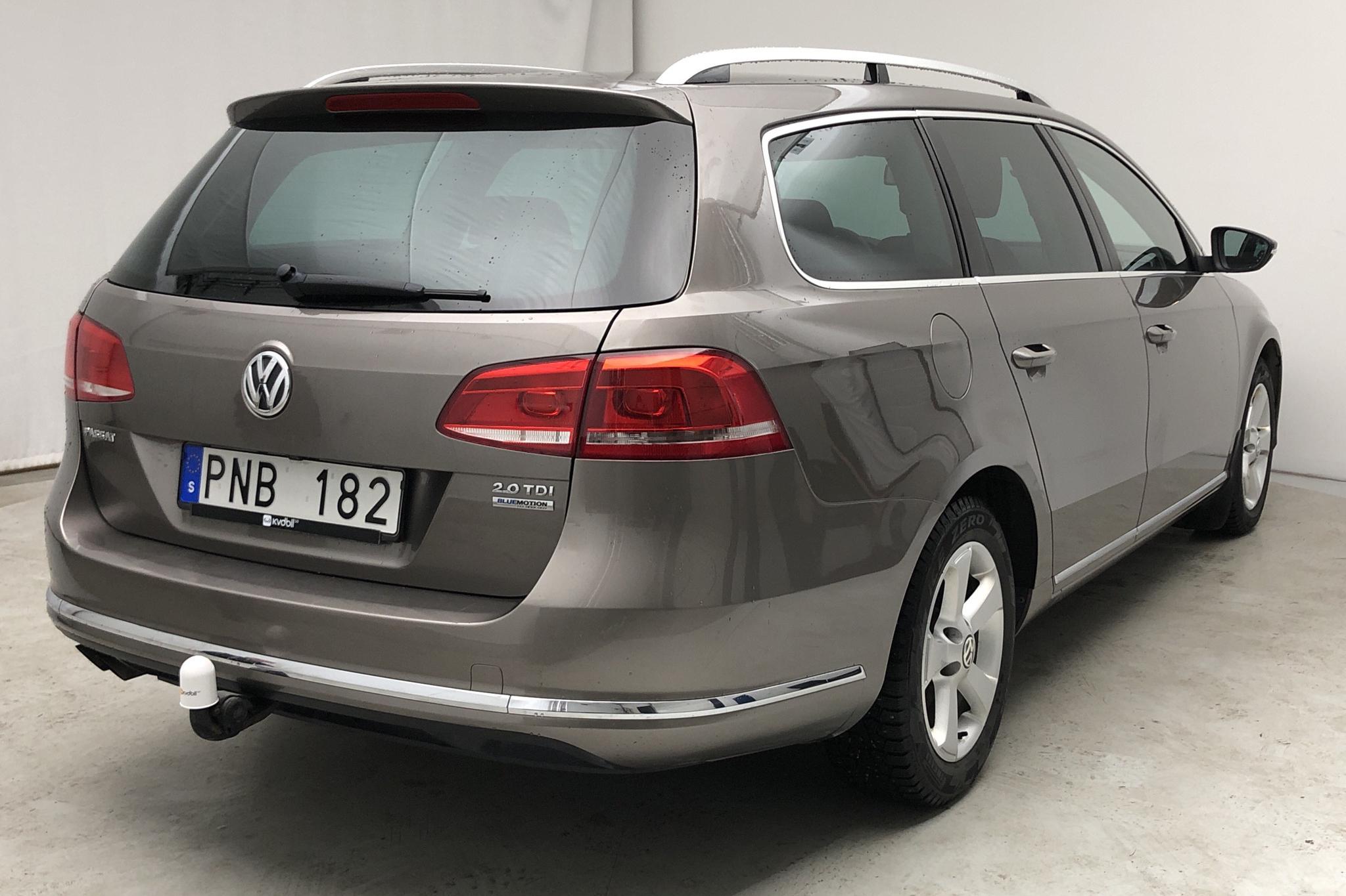VW Passat 2.0 TDI BlueMotion Technology Variant (140hk) - 118 620 km - Manual - Light Brown - 2012