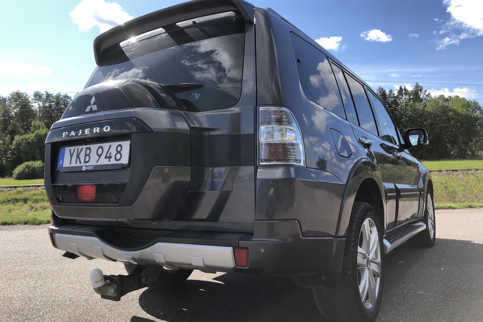 Mitsubishi Pajero Wagon 3.2 DI-D (200hk) - 5 153 mil - Automat - grå - 2017