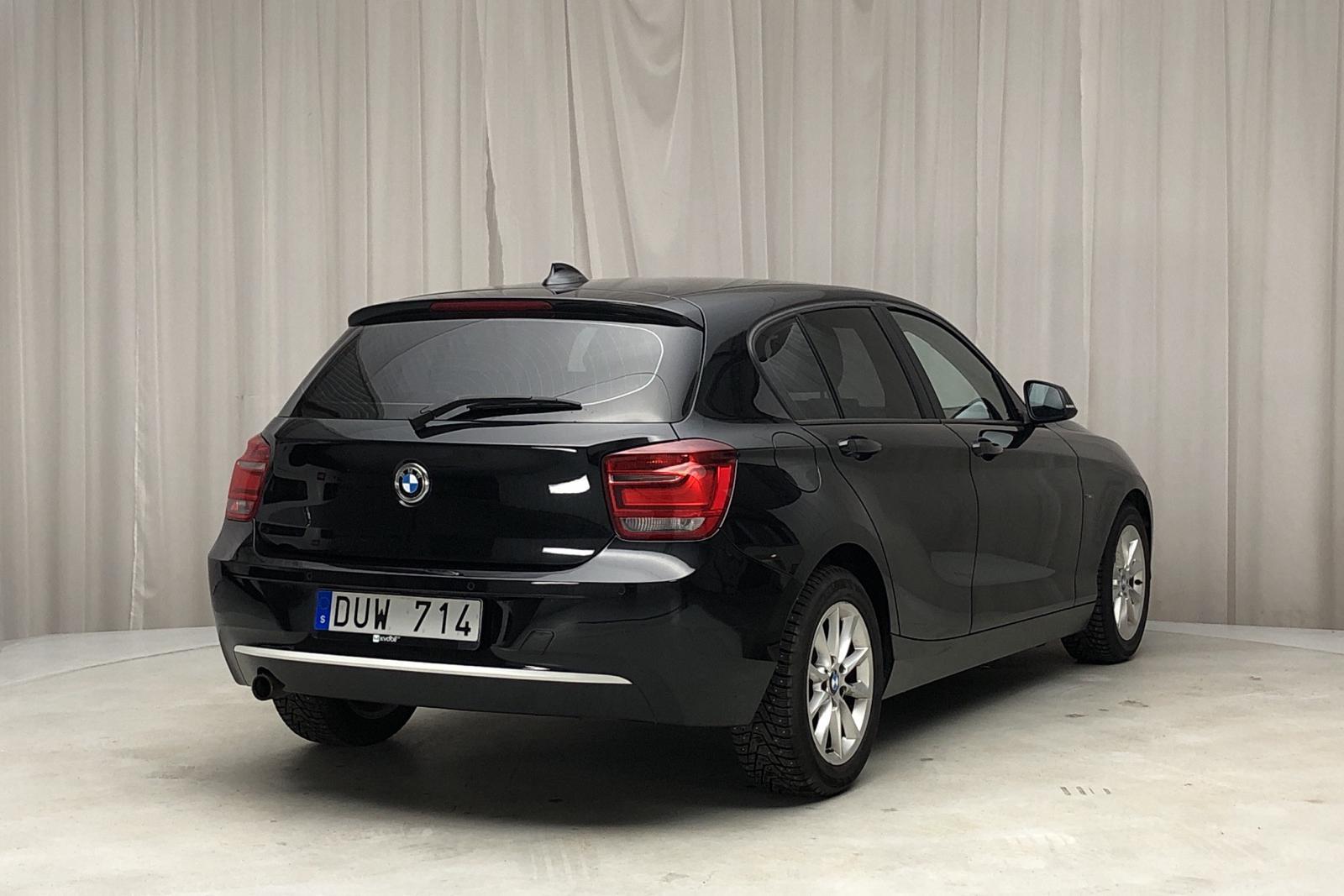 BMW 116d 5dr, F20 (116hk) - 122 230 km - Manual - black - 2012