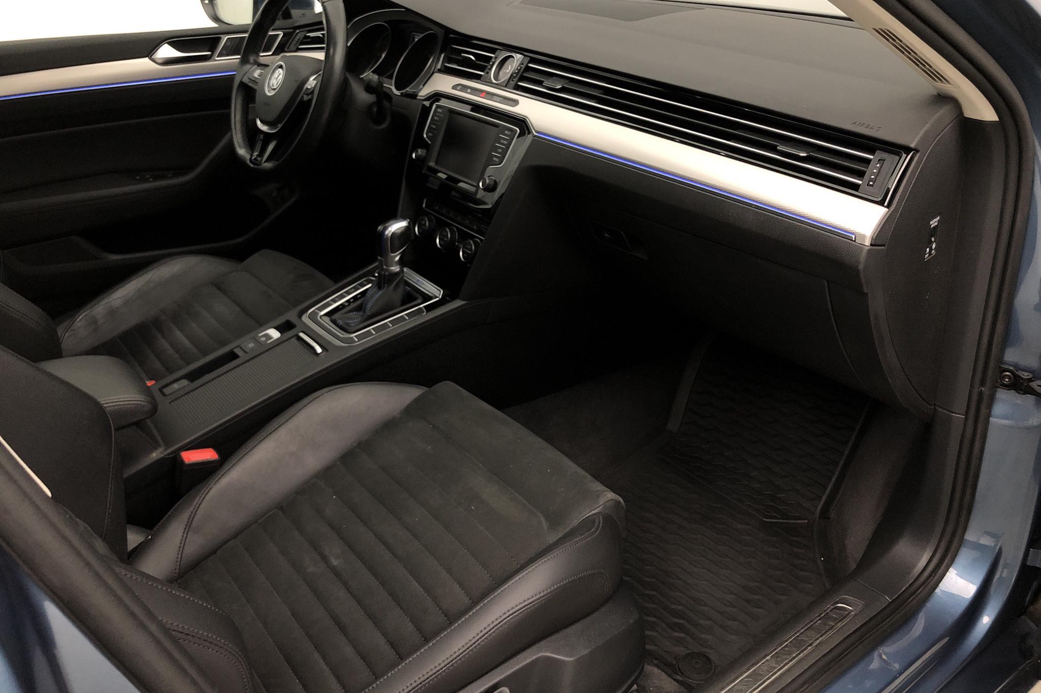 VW Passat 1.4 Plug-in-Hybrid Sportscombi (218hk) - 14 560 mil - Automat - blå - 2017