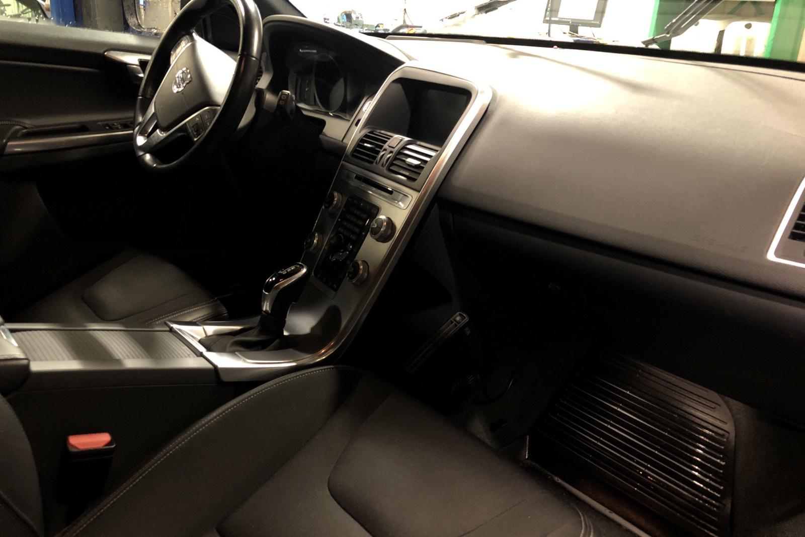 Volvo XC60 D4 AWD (190hk) - 101 040 km - Automatic - black - 2017