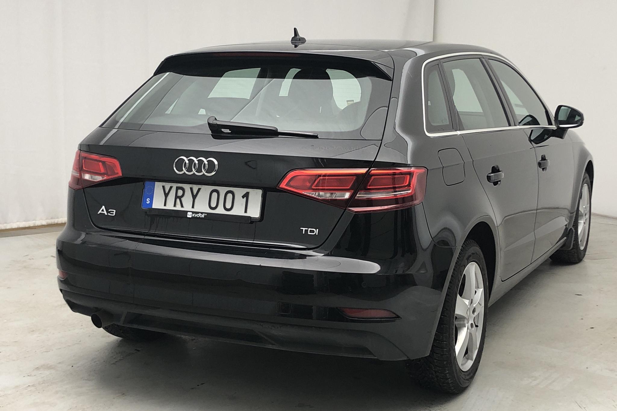 Audi A3 1.6 TDI Sportback (116hk) - 32 960 km - Automatic - black - 2018