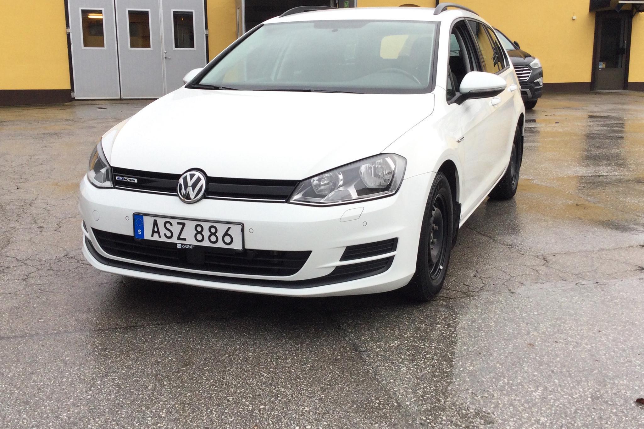 VW Golf VII 1.4 TGI BlueMotion Sportscombi (110hk) - 43 910 km - Manual - white - 2015
