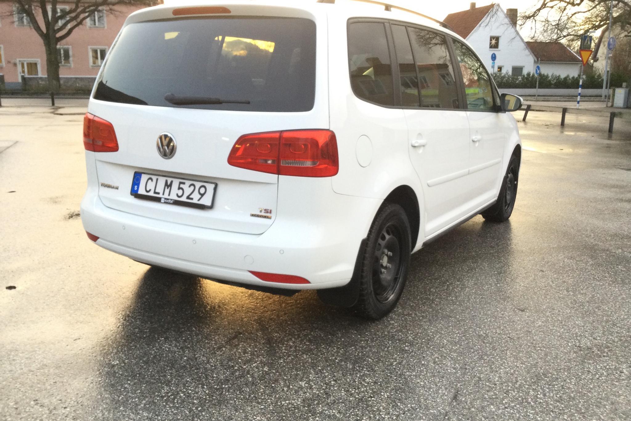 VW Touran 1.4 TGI EcoFuel (150hk) - 6 542 mil - Manuell - vit - 2014
