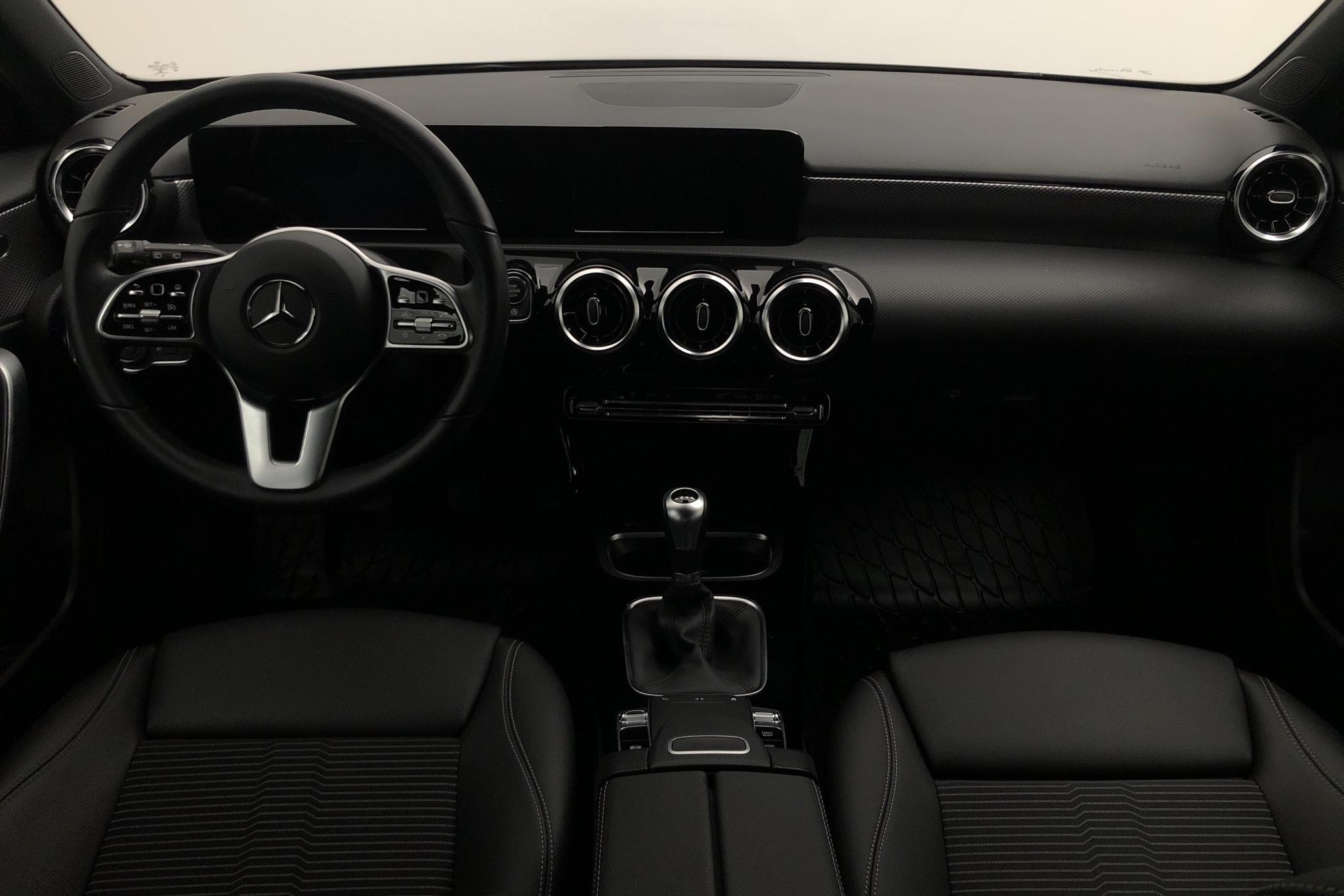 Mercedes A 180 5dr W177 (136hk) - 14 630 km - Manual - black - 2019