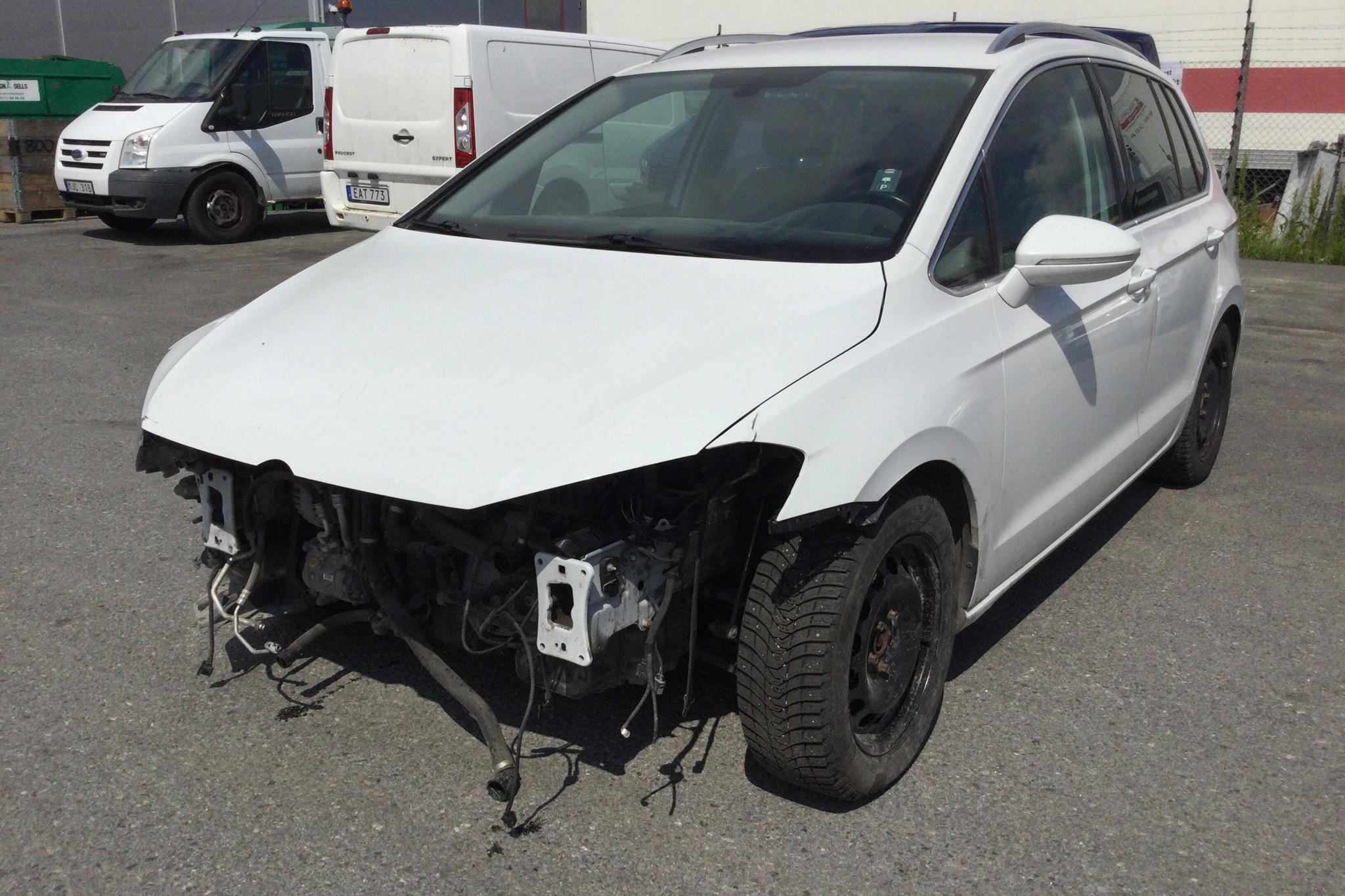 VW Golf VII 2.0 TDI Sportsvan (150hk) - 119 550 km - Automatic - white - 2018