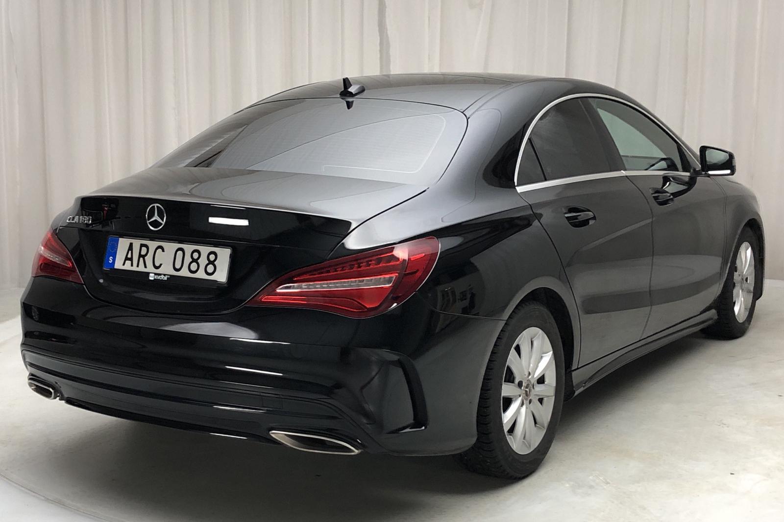 Mercedes CLA 180 Coupé C117 (122hk) AMG Panorama - 2 482 mil - Automat - svart - 2019