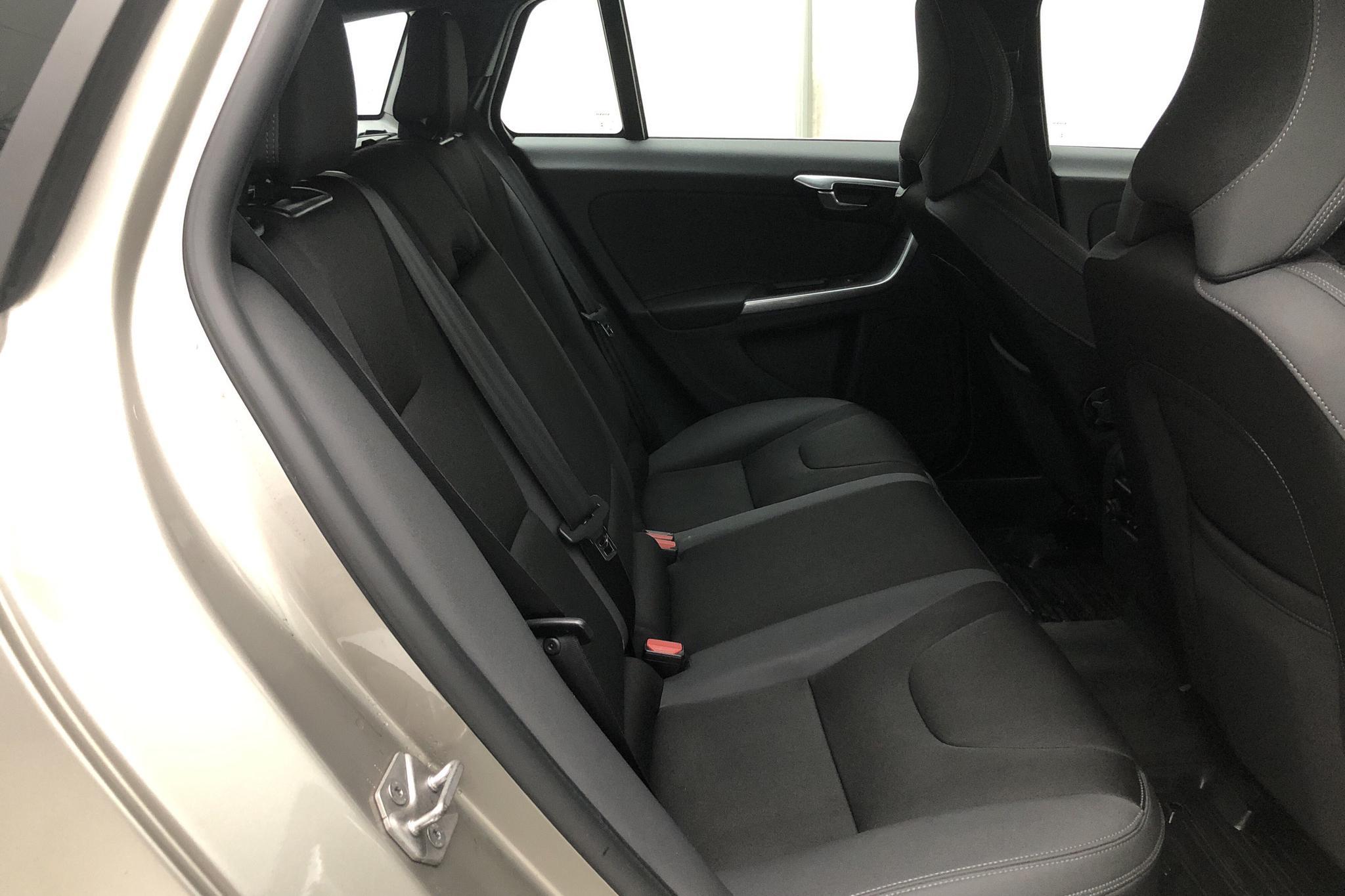 Volvo V60 D4 (181hk) - 10 251 mil - Manuell - Light Brown - 2014