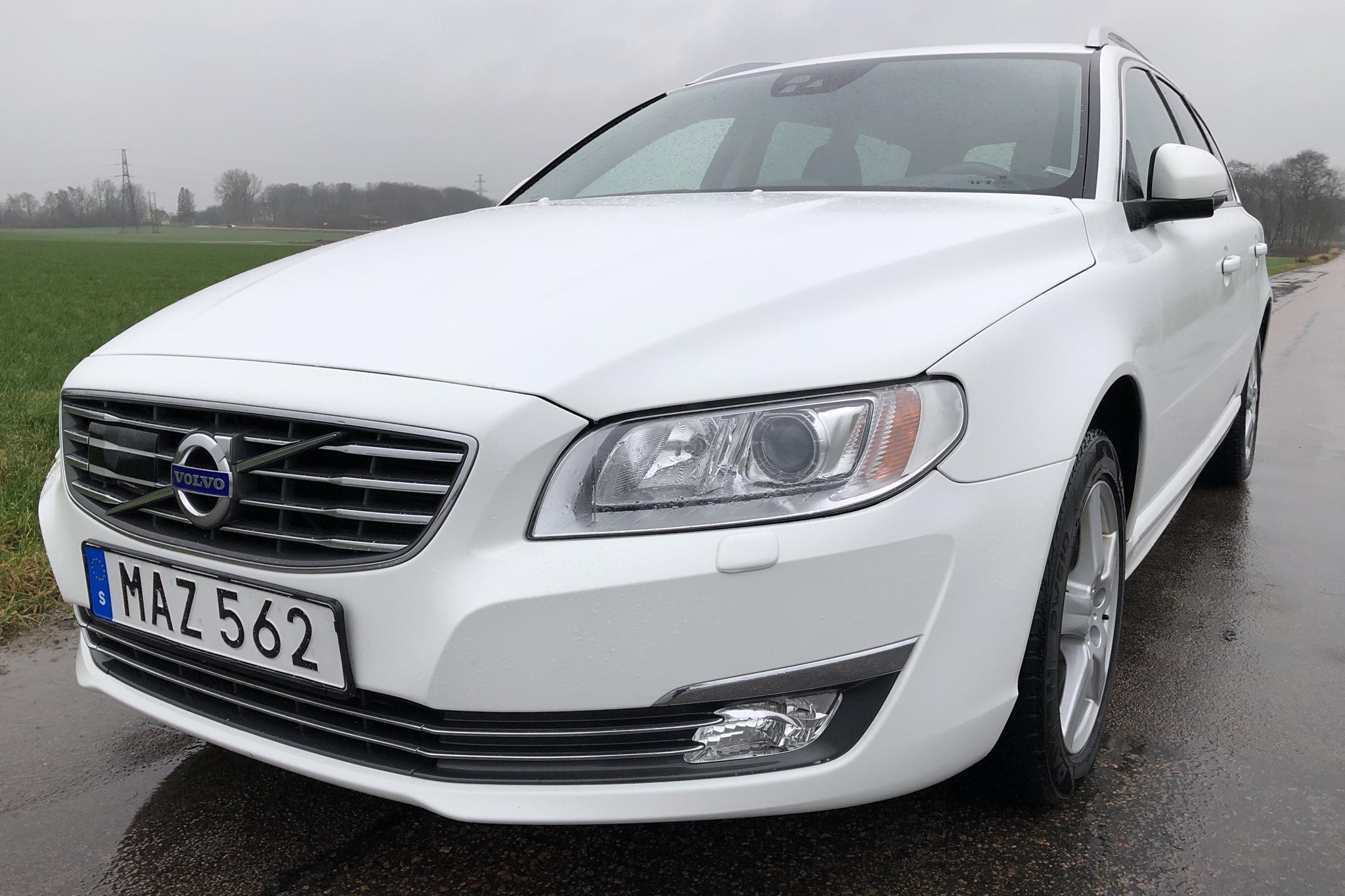 Volvo V70 II D4 (181hk) - 237 390 km - Automatic - white - 2016
