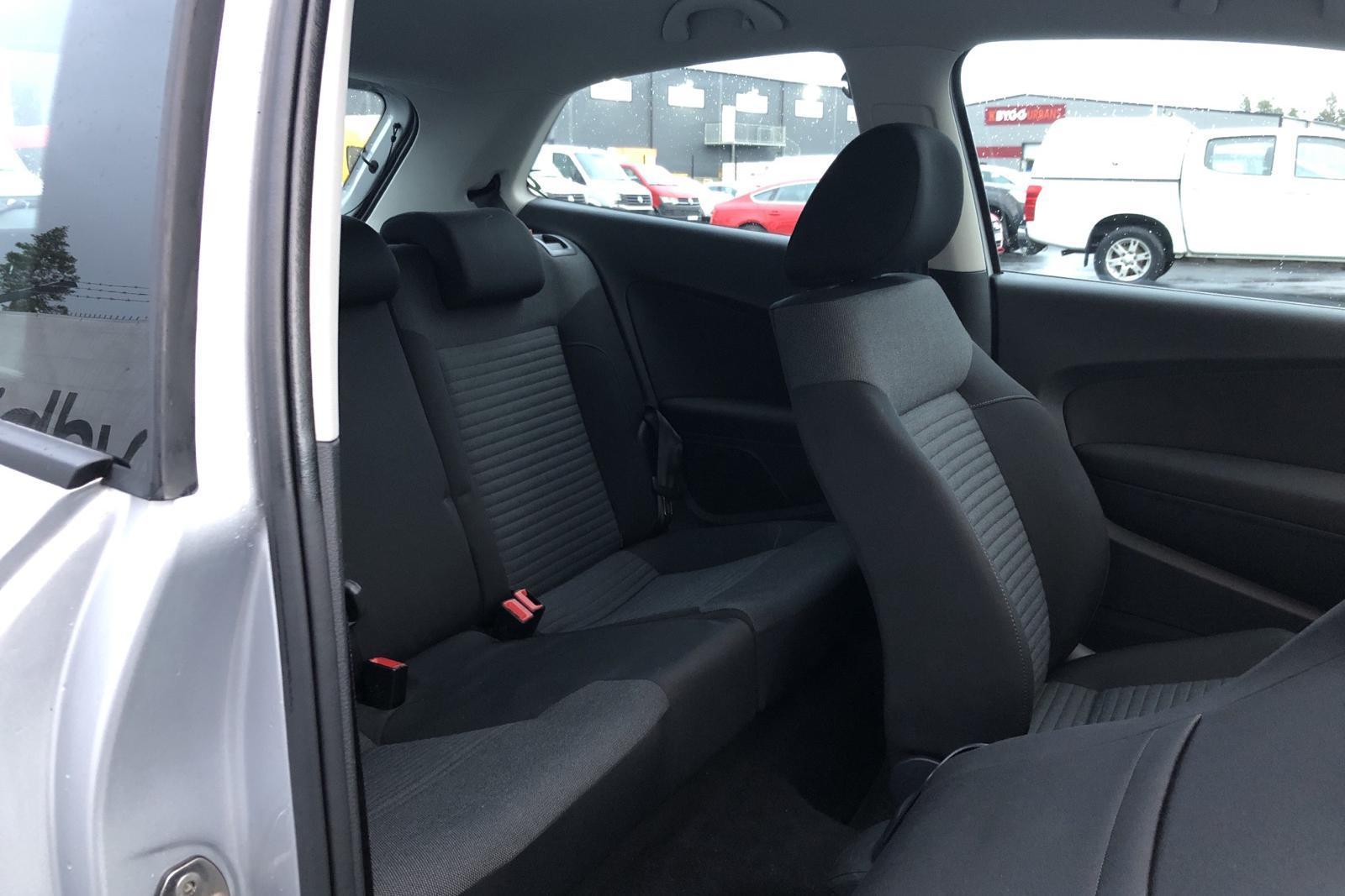 VW Polo 1.2 TSI 3dr (90hk) - 38 350 km - Automatic - silver - 2014