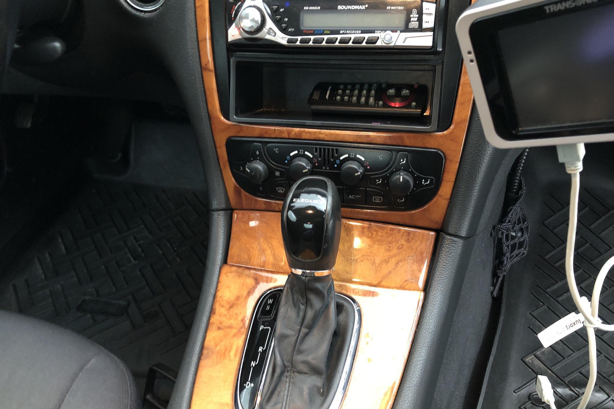 Mercedes CLK 270 CDI C209 (170hk) - 189 910 km - Automatic - silver - 2003